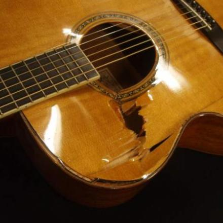 Top replacement on Larrivee J-05 by Nicole Alosinac Luthiery.